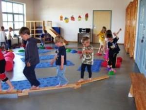 gyerekek mozognak2